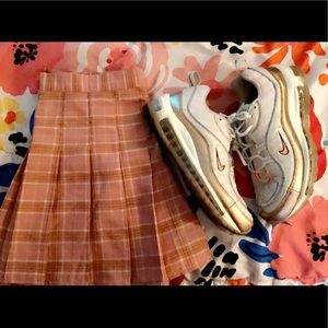 Skirt + Nike Air Max sneakers!!🌸